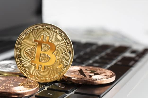 Bitcoin De Close Up Em Cima Do Laptop 23 2148285309 Silva Lopes Advogados Startups Tecnologia Inovacao
